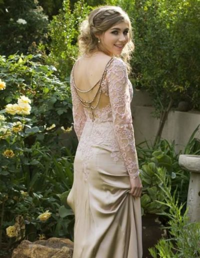 Illusion pearl back, pure silk and lace